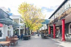 De Queenstownwandelgalerij is het populaire oriëntatiepunt in Nieuw Zeeland, kunnen de mensen het gezien onderzoeken rond het Stock Afbeelding
