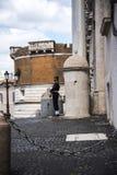 De Quirinale slottvakterna i Rome Italien Royaltyfri Bild