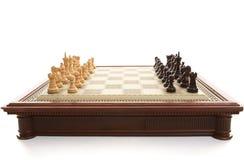 De Raad van het schaak en speelstukken Royalty-vrije Stock Afbeeldingen