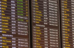 De Raad van het vluchtvertrek voor British Airways-Vluchten bij Terminal 5 van Londen Heathrow Maart 2019 royalty-vrije stock foto's
