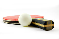 De racket en de bal van het pingpong Stock Foto