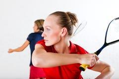 De racketsport van de pompoen in gymnastiek Stock Fotografie