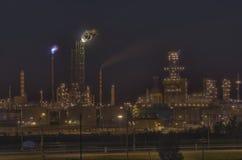 De raffinaderij van de olie en van het gas. Stock Foto