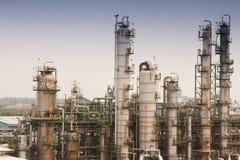 De raffinaderijeninstallaties van het gas Stock Afbeeldingen