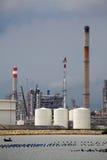 De raffinaderijinstallatie van de olie Royalty-vrije Stock Foto's