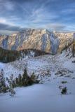 De rand van de berg en wolken #2 royalty-vrije stock fotografie
