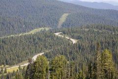 De rand van de berg. Rotsen. De Bergen van Sayan. Rusland. Royalty-vrije Stock Fotografie