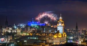 De Rand van Edinburgh en Internationaal festivalvuurwerk, U van Schotland royalty-vrije stock foto