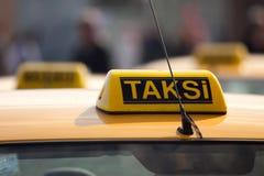 De rang van de taxi. Istanboel, Turkije. stock foto's