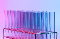 De reageerbuis van het wetenschapslaboratorium, wetenschappermateriaal voor onderzoek royalty-vrije stock foto