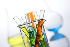 De reageerbuizen van de wetenschap en van het medische onderzoek Stock Afbeeldingen