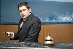 De receptionnist van het hotel Royalty-vrije Stock Foto's
