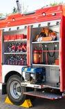 De redding en de brandbestrijdingsvrachtwagenapparatuur Stock Foto