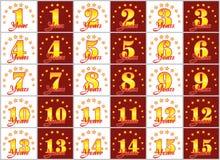 De reeks gouden aantallen van 1 tot 15 en het woord van het jaar verfraaiden met een cirkel van sterren Vector illustratie Stock Foto