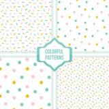 De reeks, inzameling van vier kleurrijke confettien, stippelde naadloze patroonachtergrond Royalty-vrije Stock Afbeeldingen