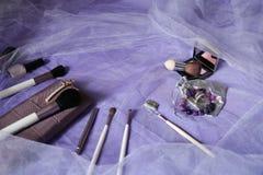De reeks make-upborstels, professionele samenstellingshulpmiddelen, borstels voor diverse functies, bloost en vernissen De toebeh stock fotografie