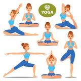 De reeks meisjes in divers stelt van yoga De vrouwenyoga stelt opleiding Royalty-vrije Stock Foto