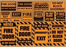 De reeks van blokkeert geen deur voor noodsituatiedoeleinden (waarschuwing, bericht, veiligheid) Stock Illustratie