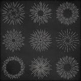 De reeks van hand getrokken retro zonnestraal, het vuurwerk of de barstende stralen ontwerpen elementen, gestileerde tekening met Stock Afbeelding