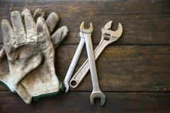 De reeks van handhulpmiddelen of de reeksachtergrond van het Werkhulpmiddelen, Hulpmiddelen in de industriebaan voor het algemene Stock Afbeeldingen
