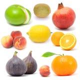 De Reeks van het verse Fruit die op Witte Achtergrond wordt geïsoleerd stock afbeelding