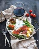 De reeks van het wijnvoorgerecht Glas rode wijn, wijnoogst Royalty-vrije Stock Afbeelding