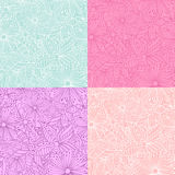 De reeks van krabbel 4 bloeit naadloze patronen Stock Afbeelding