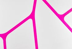 De regelmatige geometrische violette en witte achtergrond van de stoffentextuur, doekpatroon Royalty-vrije Stock Afbeeldingen
