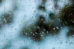 De regen op het glas Dalingen royalty-vrije stock foto