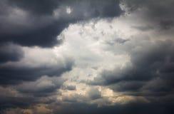 De regenachtige achtergrond van de wolkenaard Stock Foto