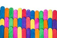 De regenboog kleurt houten close-up isoleert Royalty-vrije Stock Foto