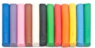 De regenboog kleurt over plasticineplasticine modelleringsklei Royalty-vrije Stock Afbeeldingen