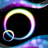 De regenboog omcirkelt de Hemel en de Rimpelingen van de Achtergrondmiddelennacht Royalty-vrije Stock Foto's