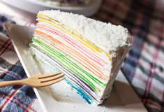 De regenboog omfloerst Cake Royalty-vrije Stock Afbeelding