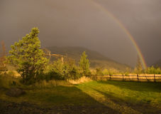 De regenboog van het land Stock Fotografie