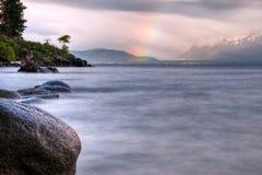 De Regenboog van meertahoe stock foto