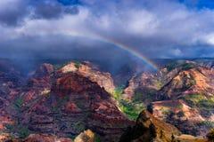 De Regenboog van de Waimeacanion Stock Foto's