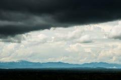 de Regenwolken van de donder strom hemel Stock Fotografie