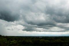 de Regenwolken van de donder strom hemel Stock Afbeeldingen