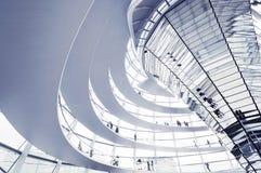 De Reichstag-koepel is een glaskoepel bovenop het herbouwde Reichstag-gebouw wordt geconstrueerd dat Stock Afbeelding