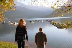 De reis van de familie in bergen Stock Foto's