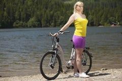 De reis van de fiets royalty-vrije stock afbeeldingen