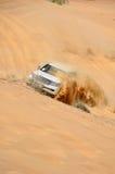 De reis van de jeep in de woestijn in Doubai Royalty-vrije Stock Foto