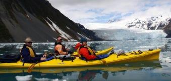 De Reis van de kajak van het Nationale Park van Fjorden Kenai Stock Foto