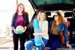 De reis van de meisjesweg Stock Foto