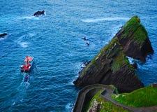 De reis van de veerboot, dunquin pijler, Kerry, Ierland Stock Afbeeldingen