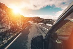 De Reis van de wilderniskampeerauto stock fotografie