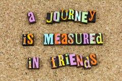 De reis wordt gemeten in vriendenvriendschap stock afbeelding