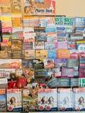 De brochures en de vliegers van de reis Stock Foto's