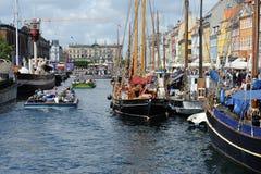 De reizen en de schepen van het kanaal Stock Afbeeldingen